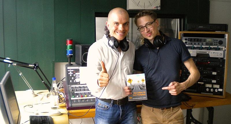 Stefan beim Radio-Interview bei Dirk